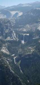 Yosemite National Park. Glacier Point. Vista panoramica de Vernal Fall y Nevada Fall